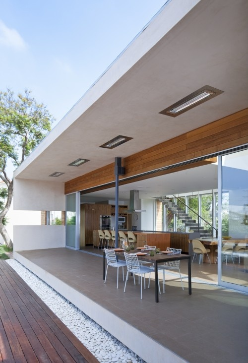 Great indoor - outdoor space (and I love the built-in heaters)...