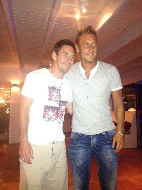 Francesco Totti e Leo Messi....2 of the best soccer players.