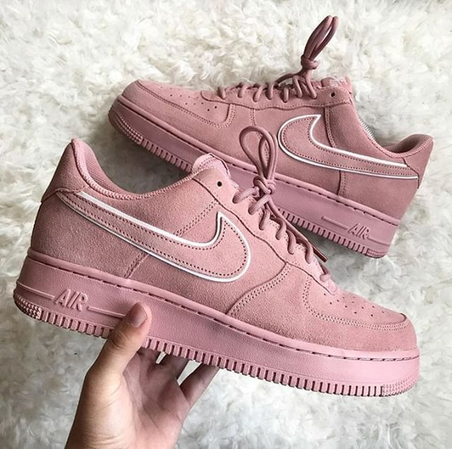 Nike Air Force 1 Rosa Nike Donna Air Force 1 07 LV8 Suede Scarpa rosa