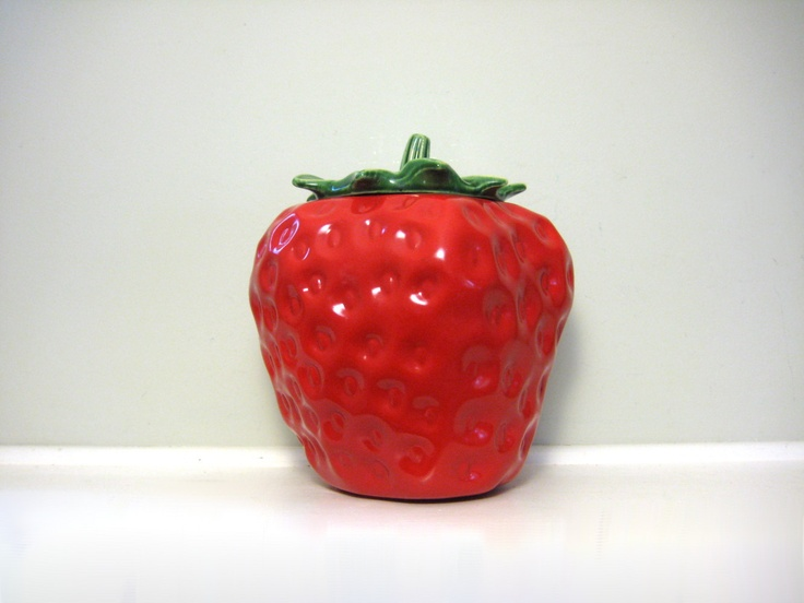 55 best images about my strawberry kitchen on pinterest - Strawberry kitchen decorations ...
