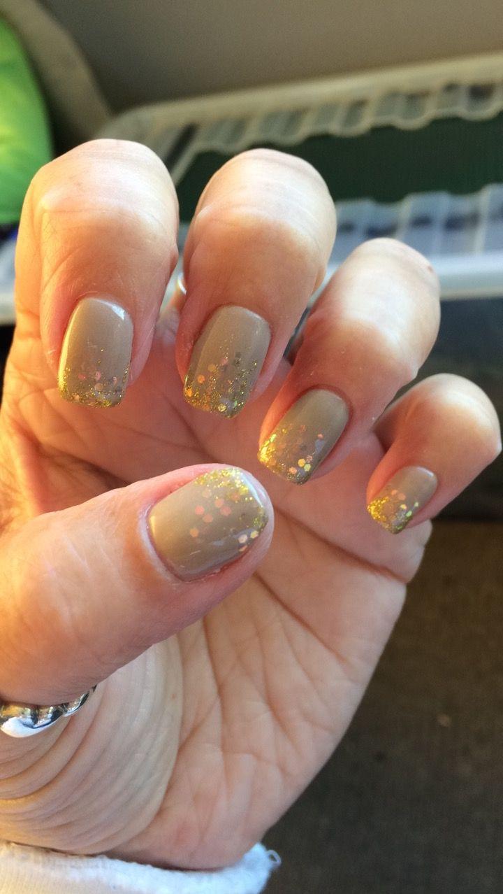 Gelish glitter & taupe model beige/nude gel nails