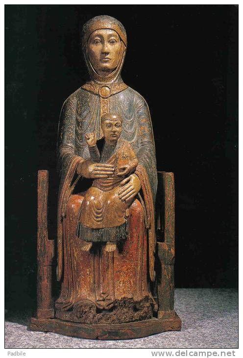 Vierge Romane de Saugues, 1150. France / romanesque / madonna and child / wood sculpture