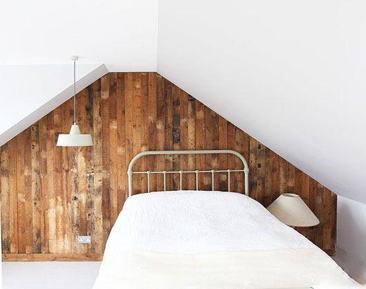 zulk hout (tengels?) kwam bij onze verbouwing van de plafonds af... had ik ze toen moeten bewaren?