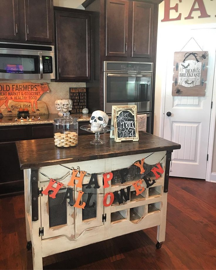 we love jennaratliffdesigns spooktacular kitchen halloween decorations