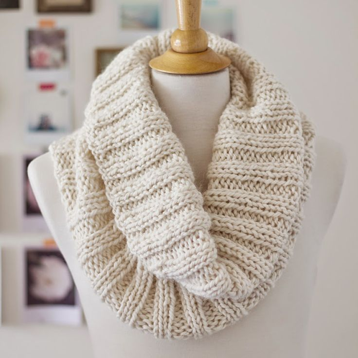 Lady by the Bay - Cozy Ribbed Scarf Knitting Pattern Love the simplicity of this cowl and the colour and everything!