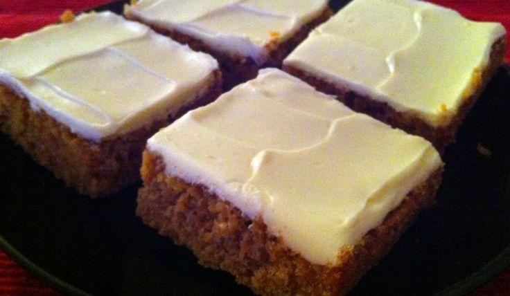 Morotskaka i långpanna - Recept