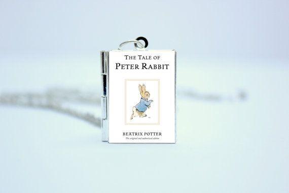 Het verhaal van Peter Rabbit van Beatrix Potter boek Cover medaillon ketting / armband / Keyring gepersonaliseerd Bookworm bibliotheek kaart goud / zilver