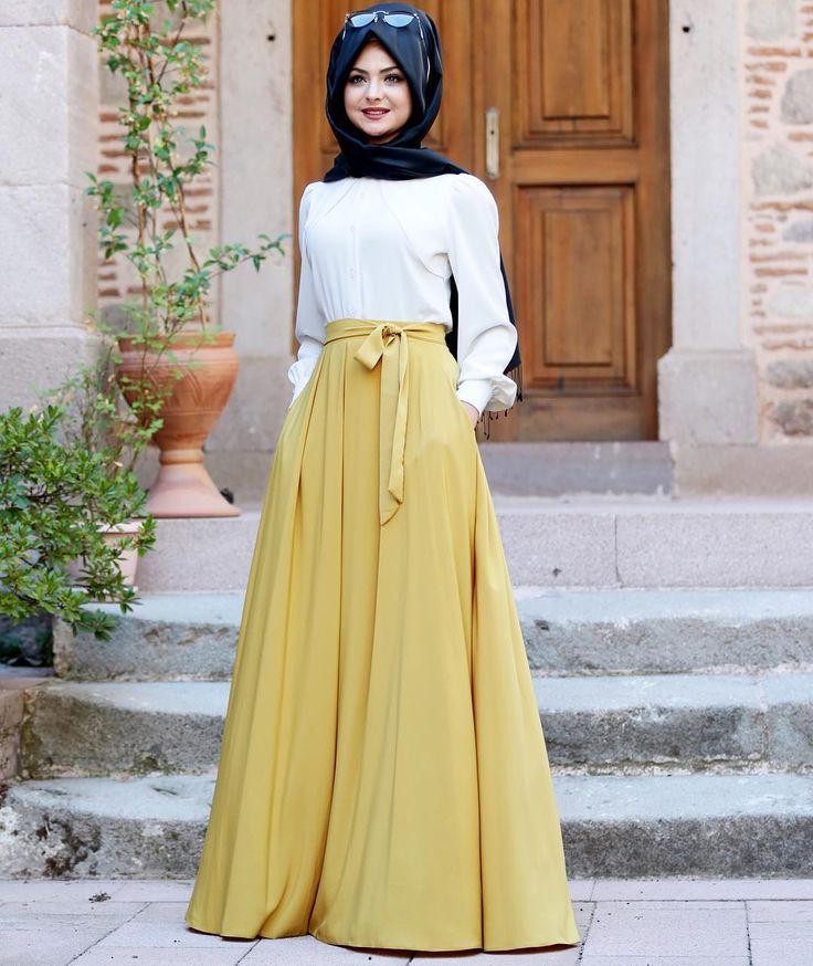 Oksit Pileli Verev Eteğimiz stoklarda ☺️ İyi günlerde kullanın inşallah. @modaaymira dan ürünümüze ulaşabilirsiniz. #pınarşems #pileliverevetek #hijab #hijabi #tesettür #etek #tesettürgiyim #hijabfashion