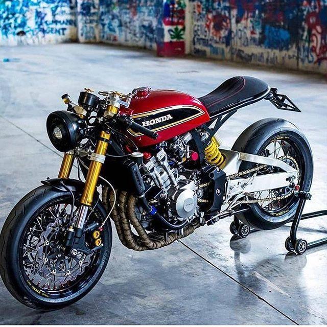Honda Hornet CB600F Built by @aesse_ Follow us @gentlebikers for the best motorb…