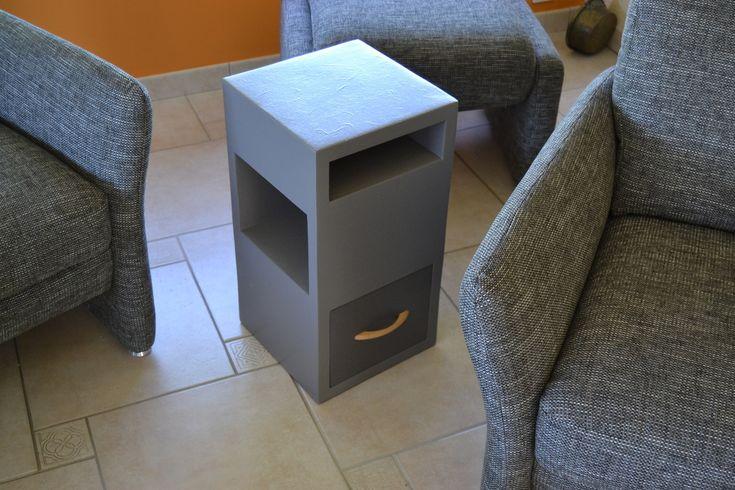 les 12 meilleures images du tableau meubles et tables de chevet en carton sur pinterest meuble. Black Bedroom Furniture Sets. Home Design Ideas