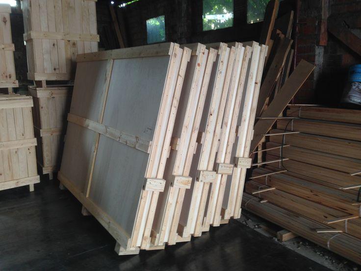 Embalajes de madera para obras de arte.