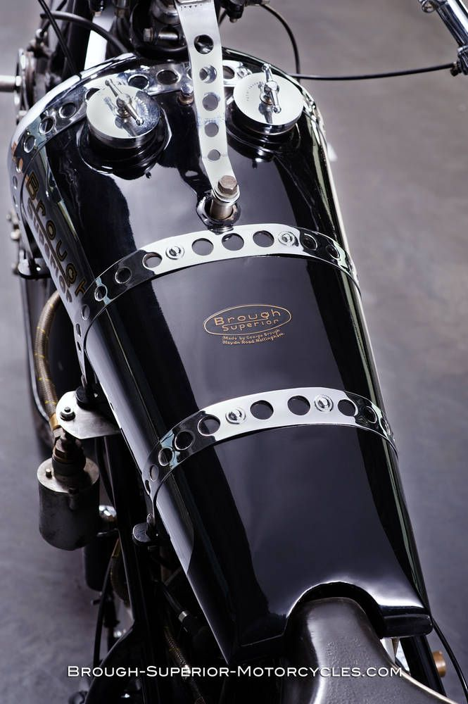 Brough Superior - Basel Brough - 1283 cc. Metal Details