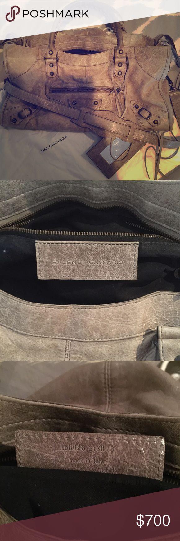 Balenciaga City Bag Classic and amazing grey Balenciaga City bag! Balenciaga Bags Shoulder Bags