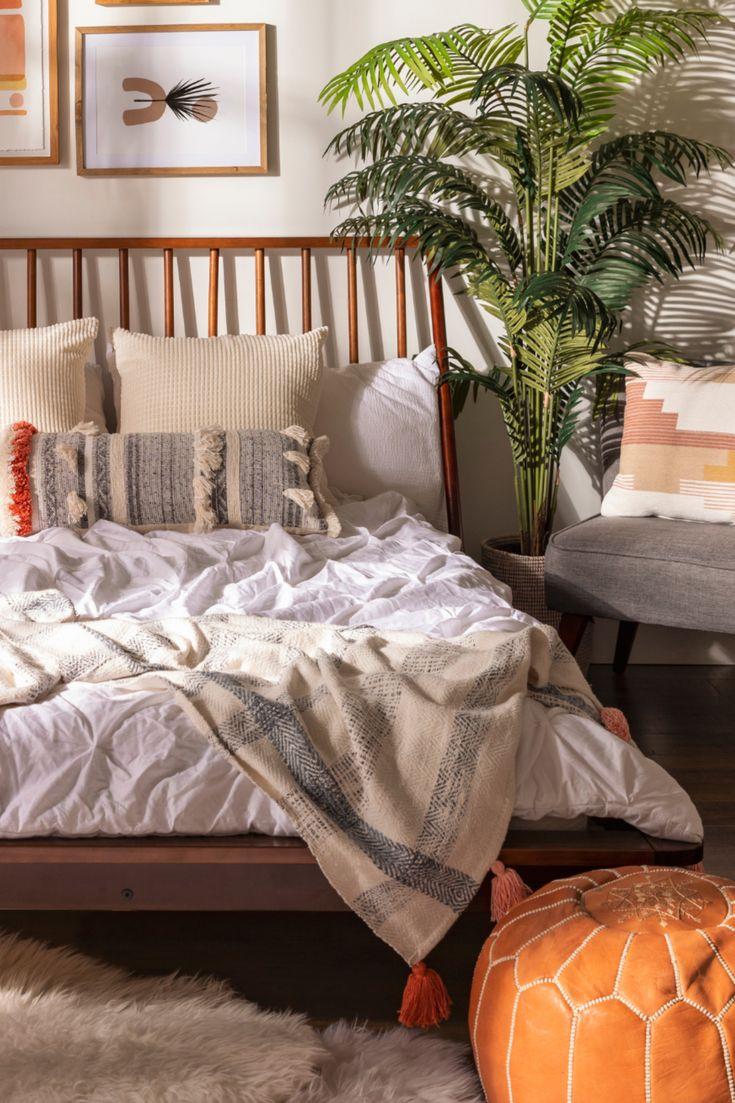 Spindle Back Solid Wood King Bed in 2020   Modern bed ... on Modern Boho Bed Frame  id=70159