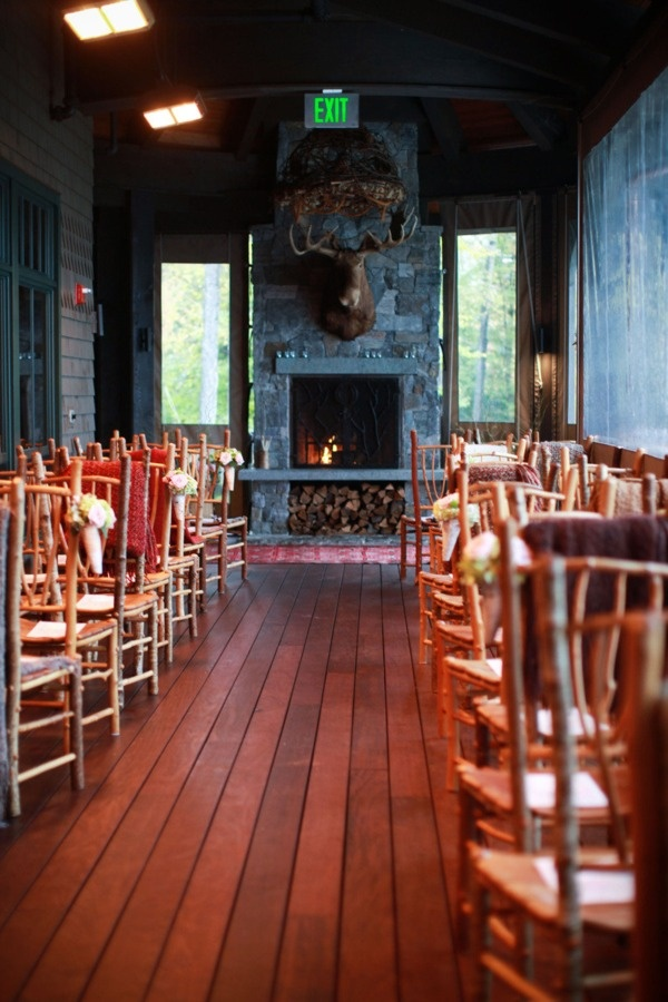 fall or winter wedding in the mountains. Looks cozy to me !!