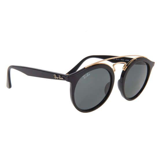 RAY BAN Sonnenbrille mit runden Gläsern ► Must-Have für alle Fashionfans: die Sonnenbrille von RAY BAN. Mit runden Gläsern und außergewöhnlichem Brillengestell überzeugt das Accessoire nicht nur in sommerlichen Strandoutfits, sonder auch in lässigen Streetstyles. Ein Eyecatcher in jeder Hinsicht.