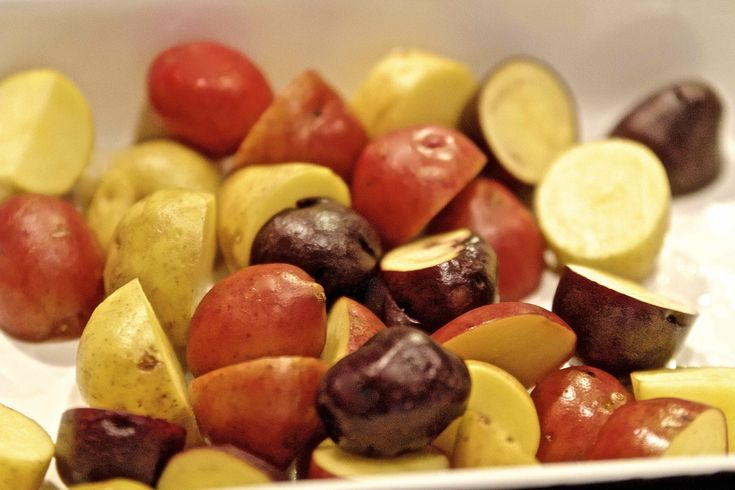 Easy roasted potatoes for the holidays! #marilyndenis
