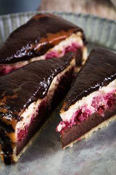 cheesecake with raspberries, caramel + chocolate.