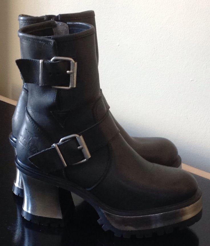 Bottes mi-mollet pour Femme, de Joe Sanchez, 100% cuir noir, Taille 8M, Talon métallique de la boutique LamereCourage sur Etsy