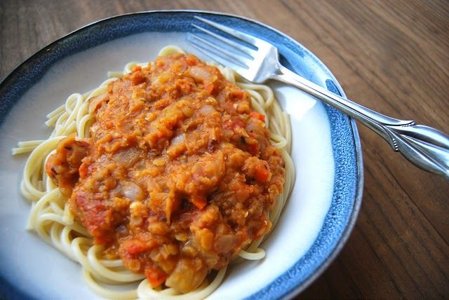 This super easy, super delicious Lentil Ragu I think has to be one of my favourite things to make during term time, usually for a Saturday...