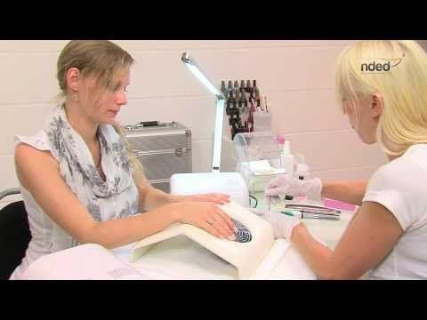 Fußpflege Anleitung - Pediküre mit Paraffinbad & Nagellack   nded.de - YouTube