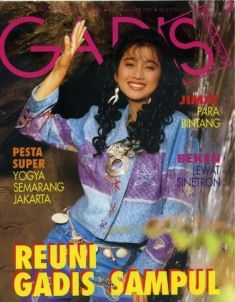 Model: Desy Ratnasari, Runner Up 1 GADIS Sampul 1988, actress & singer. GADIS 2/1993 #GADIS40TH