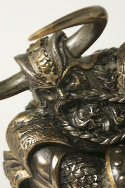 Thor<br />god van de donder bij Crystal Temptation in Venlo
