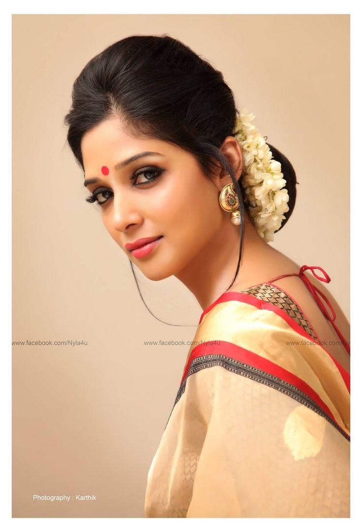 Nyla Usha | Malayalam Actress | Latest Photos | Minute to Win It Anchor