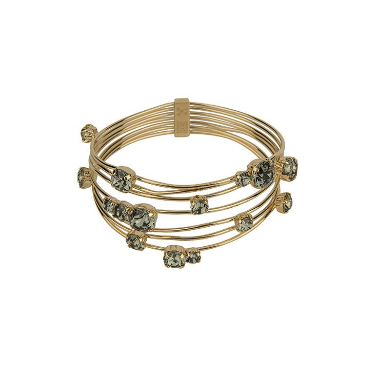 Complete the look and add an #Escada bracelet to your outfit #ParndorfMustHave