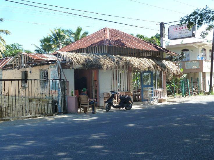 Straßenrestaurant - Warten auf Kundschaft