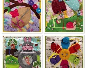 Falta página de libro tranquila de calcetines por Littleredhengoods
