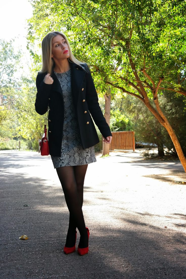 señoretta streetwear  #streetwear #fashion #fashionblog #style #styletips #dress #boots #bag #urbanfashion #winter #winterclothes #stylish #woman #womanfashion #printanimal #print #animalprint #snakeprint #leather #details