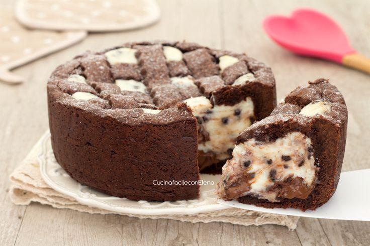 La crostata al cacao con ricotta e Nutella è un dolce favoloso con un ripieno cremoso di ricotta, gocce di cioccolato e Nutella, è divina!