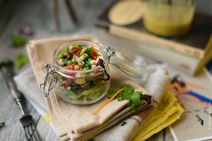 aioli style salad with pearl barley, green peas and grilled pepper on annuschka.com