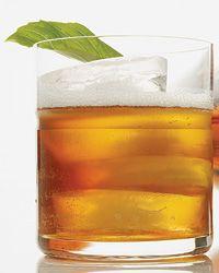 Bufala Negra: basil, balsamic vinegar, bourbon, ginger ale