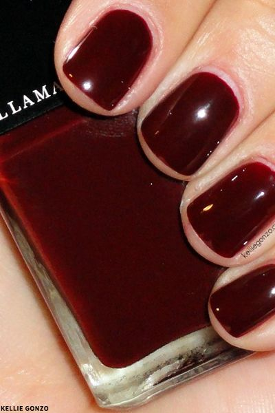 AW's Hottest Colour: Burgundy Nails