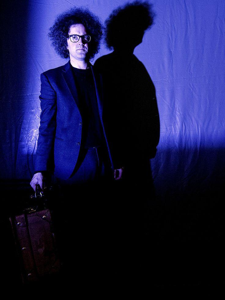 Simoni Cristicchi con la valigia