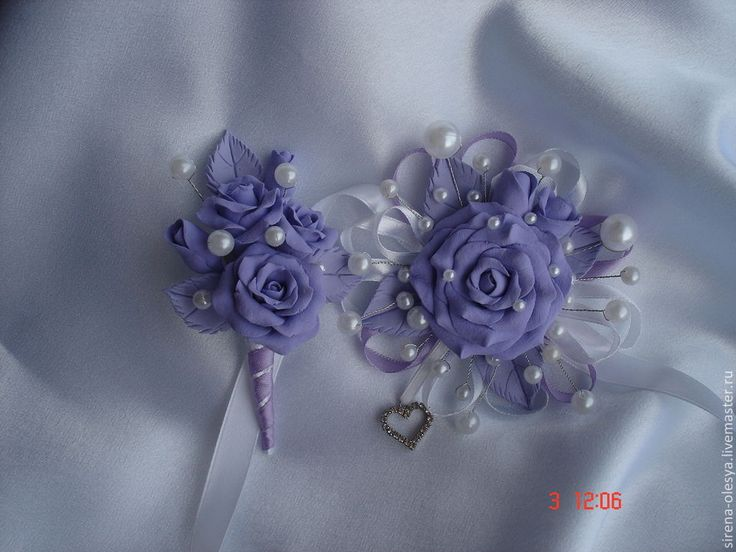 Купить Бутоньерки для жениха и невесты - сиреневый, бутоньерка, бутоньерка для жениха, бутоньерка на руку, пластика
