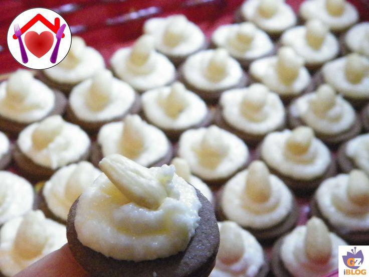 Per una serata in compagnia, oppure per un tè con le amiche… preparate queste mini cheesecake senza glutine, spariranno in pochi minuti!