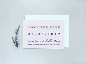 Plain Text • Save the Date kort | TRYCKSTUDION.SE