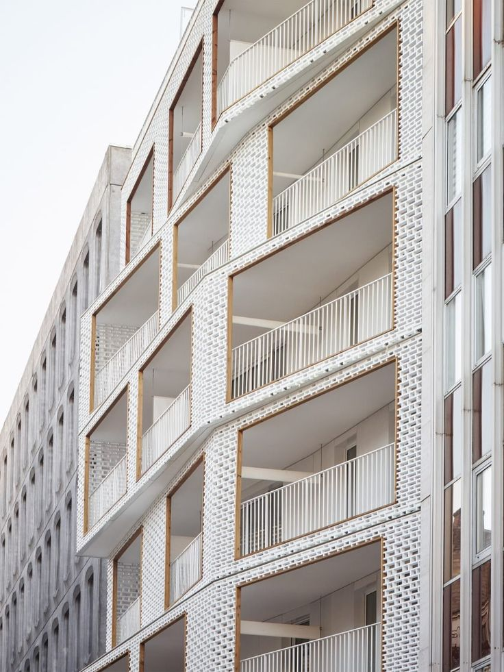 Cool brick pattern facade without the bricks by Berges Paris by Odile + Guzy Architectes