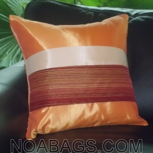 Housse de Coussin en Soie Thaï avec reflets brillants de couleur Orange
