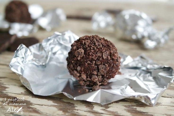 Bon bon cioccolato e mandorle