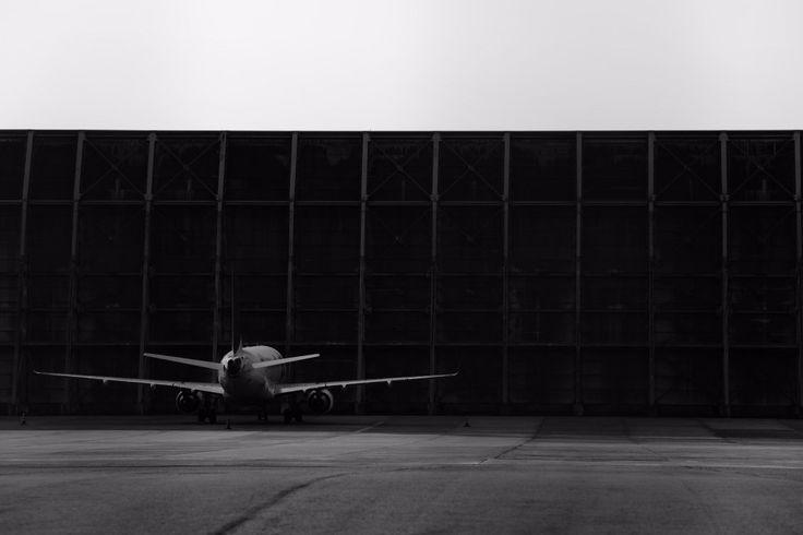 """ナックルヘッド on Twitter: """"Silence #Airport #Airplane #空港 #飛行機 #photo #photography #ファインダー越しの私の世界 #写真好きな人と繋がりたい #フォト基地 #フォトロケット #モノクロ https://t.co/yoDnuPaeJO"""""""