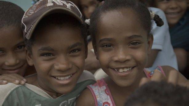 Kỳ lạ ngôi làng bé gái tự chuyển thành bé trai Link: https://vn.city/ky-la-ngoi-lang-be-gai-tu-chuyen-thanh-be-trai.html #TintucVietNam - #VietNam - #VietNamNews - #TintứcViệtNam Khi đến tuổi dậy thì, một số bé gái ở làng Salina bỗng chuyển đổi thành con trai hoàn toàn. Trang Telegraph đưa tin, một thanh niên tên là Johnny, người ở làng Salina, thuộc Cộng hòa Dominica, thấy xảy ra điều đáng ngạc nhi�