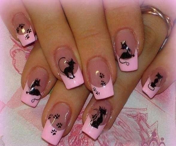 Nageldesign-schwarze-Katze-auf-transparente-Nägel-mit-rosa-Rand.jpg (588×487)