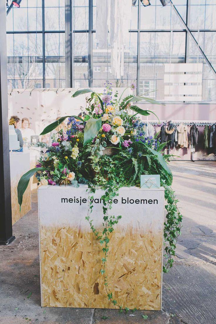 De meisjes van de bloemen met hun heerlijke creaties. //Foto: Anouk Fotografeert.