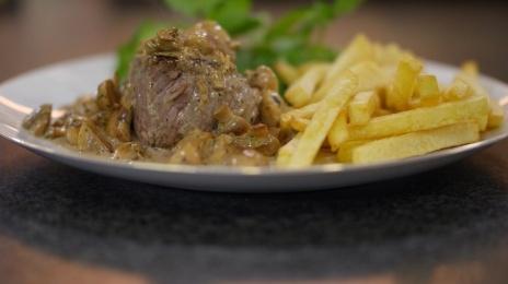 Steak-friet met champignonroomsaus by Jeroen Meeus ~ Dagelijkse kost | Eén
