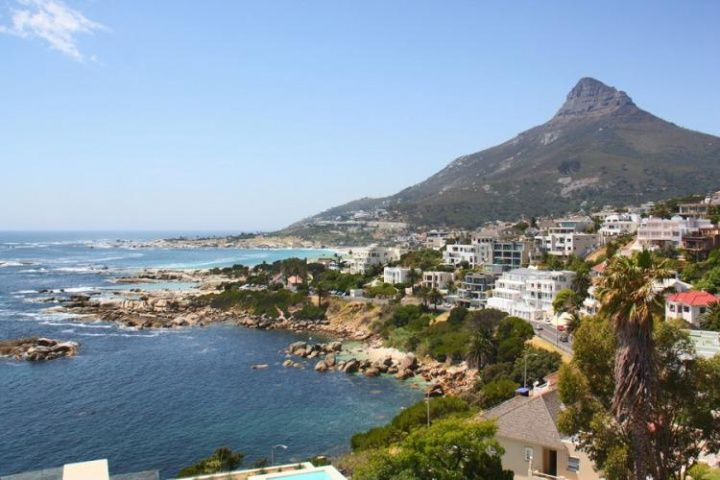 Soline Roof Top | Camps Bay | stunning views | Capsol | Camps Bay Apartment. Soline Roof Top Apartment in Cape Town for couple with jacuzzi available for rental