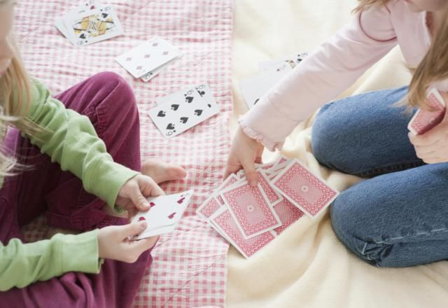 5 Easy (and Impressive) Magic Tricks for Kids: Easy Magic Tricks for Kids:  The Clipped Card
